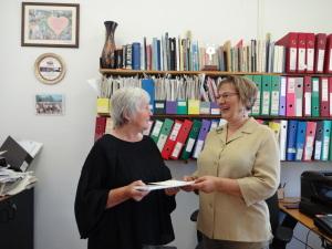Shalva Weil sammen med Eli Finsveen juni 2014. Foto: Rebekka Rødner