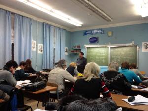 Elevene blir drillet i grammatikk: «Er dette et sammensatt ord? Hvilket kjønn?» Foto: Rebekka Rødner