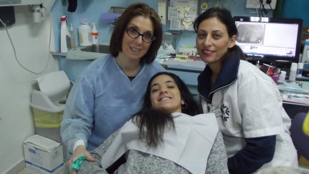 Tannlege Sandra Molinas og Michal gir barna en god opplevelse hos DVI
